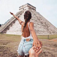 #followmeto Chichen Itza in Mexico with the beautiful couple @emitaz and @oscarminyo