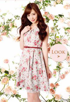 Japanese Fashion  I love Japanese fashion.  So pretty, feminine and modest.