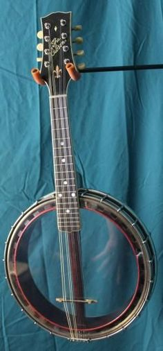 1918 Gibson MB Mandolin Banjo. #RESEARCH DdO:) - www.pinterest.com/... - First announcement of a Gibson banjo appeared October 1918: listed as a TB, tenor banjo, with no style number designation. No other members of banjo family listed. September 1919: 5 models available: TB, GB / guitar banjo, MB / mandolin banjo, & CB / cello banjo. Design patent 1922. Photo pin via PickersSupply. siminoff.net/