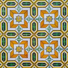#tile #tiles #typical #traditional #walls #urbanart #igdaily #igerslx #instadaily #pattern #portugal #portuguesetiles #portugaldenorteasul #art #artistic #azulejos #architecture #azulejosportugueses #streetart  #drawing #downtown #facade #geometric #historic #lines #lisboa #lisbon #culture #colourful #buildings by today_i_saw_a_tile