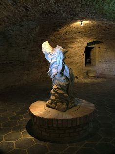 Castle - Červený Kameň. Slovakia.   Gallery Statue Of Liberty, Lion Sculpture, Castle, Gallery, Art, Statue Of Liberty Facts, Art Background, Roof Rack, Statue Of Libery
