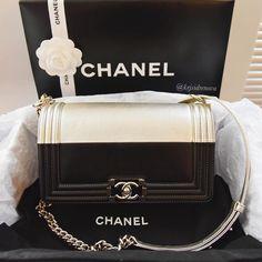 « #Chanel bi-color boy bag: or ? Pic by @kejsidrenova »