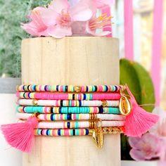 Trendy summer jewelry from Katsuki beads Beaded Bracelet Patterns, Friendship Bracelet Patterns, Beading Patterns, Tassel Jewelry, Beaded Jewelry, Handmade Jewelry, Jewellery, Dainty Bracelets, Seed Bead Bracelets