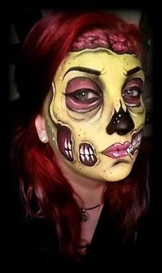 @zombitess (instagram) Pop art zombie, facepaint, zombie, pop art, bodypaint