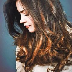 Jenna Coleman has perfect hair and is a super pretty companion for the doctor! Jenna Coleman, Clara Oswald, Doctor Who, Eleventh Doctor, Cut And Color, Poses, Pretty Hairstyles, Her Hair, Hair Inspiration