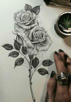 Rose tattoo sans les toiles d'arraignées