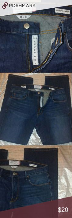 Lucky Brand 221 Original Straight Size 33 Jeans! These are dark blue jeans and are made in Los Angeles. White Oak Denim material used on the jeans. Waist is 33 and length is 30. Straight fit. Great condition. Lucky Brand Jeans Straight