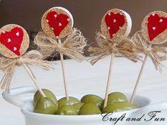 4041277665342311685767 Valentines Day Wine Cork Craft Idea!
