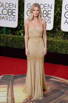 Before the 2017 Golden Globes begin, let's take a look at the best dressed celebs at the 2016 Golden Globes!  Rosie Huntington-Whiteley looked amazing in Saint Laurent.