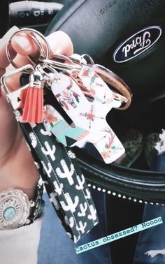 🌵 Cactus 🌵 Obsessed 🌵 – Top Of The World Car Accessories For Girls, Truck Accessories, Bugatti, Cactus Keychain, Girly Car, Car Essentials, Accesorios Casual, Cute Cars, Future Car