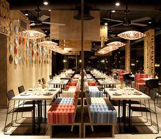 Cliquez ici pour découvrir le restaurant LAH! décoré d'éléments issus du cabinet de créateurs IlmioDesign