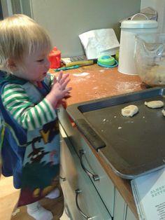 Well, Megan and I had a rare morning in last Thursday, so I decided to have a little baking session. Megan loves playdough at the mo. Baking, Bakken, Backen, Sweets, Pastries, Roast