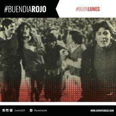 #BuenDiaRojo! #BuenLunes! 😈 #Independiente campeón de América, dando la vuelta olímpica. Año 1972.