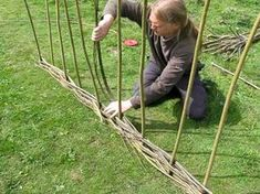Video link Weidenzaun selber machen Video link Making a wicker fence yourself