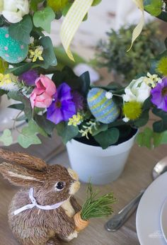 An easy way to decorate your table for Easter...