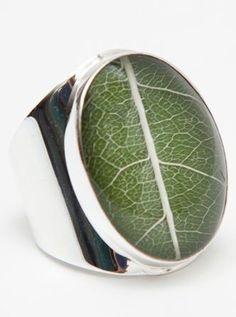 green leaf ring :: love!
