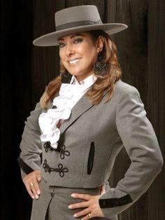 Fátima Gimenez (Foto: Divulgação) Estilo Cowgirl, Authentic Costumes, Rio Grande Do Sul, Gaucho, Equestrian, Ideias Fashion, Spanish, Blazer, Chic