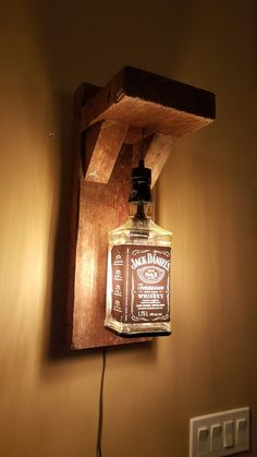 Cool and creative DIY wall lamps that make your home shine .- Coole und kreative DIY Wandlampen, die Ihr Zuhause zum Leuchten bringen werden -… – Carola Cool and creative DIY wall lights that will make your home shine -… – - Man Cave Lighting, Garage Lighting, Mur Diy, Lampe Decoration, Wood Lamps, Bottle Crafts, Bars For Home, Diy Wall, Glass Bottles