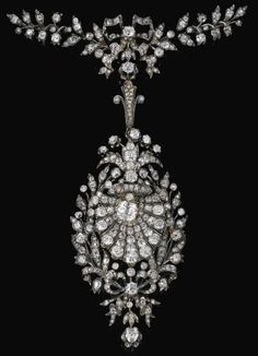 Diamond pendant / brooch, circa 1880.
