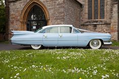 Rock up on your wedding day in an iconic vintage Cadillac, Buick or Riley classic car. Glam-or-ous or what?!