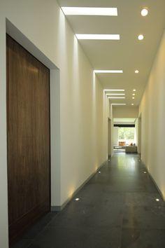Foyer Design, Niche Modern, Bedroom False Ceiling Design, House Ceiling Design, Modern Villa Design, Corridor Design, Home Interior Design, Ceiling Light Design, Roof Design