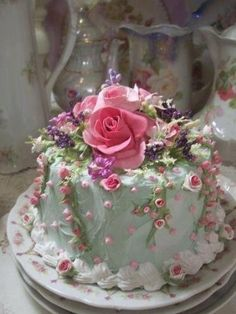 All Things Shabby and Beautiful, This pretty cake looks too good to eat!