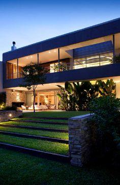 Beautiful. I love the terraced yard.