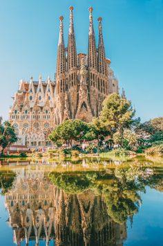 Here, we explore and present the one-of-a-kind style of Antoni Gaudi. Today, Gaudi architecture is synonymous with Modernisme, or Catalan Art Nouveau. Barcelona Spain Travel, Spain Madrid, Places To Travel, Places To Visit, Photo Images, Voyage Europe, Travel Aesthetic, Future Travel, Travel Guides