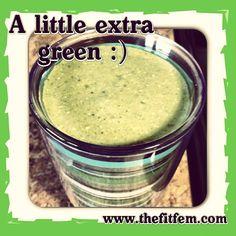 Lovin' extra #greensmoothies. #health #nutritious #kiwi #granola #greekyogurt #strawberries #coconutwater #spinach #fitfem    www.thefitfem.com