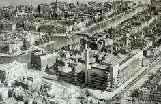 Weet iemand waar dit is? Is dit inderdaad Rotterdam? Welke gebouwen zie je dan? ed2b6c51f4698fb360c4cf4ca0bd028f.jpg 960×626 pixels