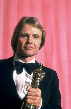 Jon Voight won the Academy Award for Best Actor for his role as Luke Martin in Coming Home (1978).