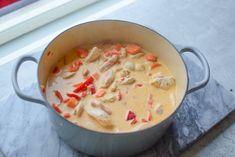 Kyllinggryte - Passer til både hverdag og fest! | Gladkokken Baby Food Recipes, Dinner Recipes, Cheeseburger Chowder, Fest, Curry, Food Porn, Food And Drink, Soup, Baking