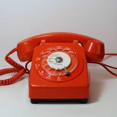 TÉLÉPHONE ORANGE À CADRAN SOCOTEL S63, VINTAGE  | Stereo Fields Forever