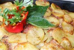 Potato Salad, Potatoes, Meat, Chicken, Ethnic Recipes, Food, Drink, Hungarian Recipes, Beverage