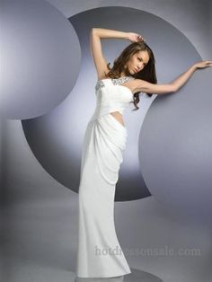 Shop short prom dresses and long prom dresses at PromGirl. Long prom gowns, short dresses for prom, prom dresses and cute prom dresses for junior and senior prom. Prom Dresses Under 200, Ivory Prom Dresses, Cute Prom Dresses, Designer Prom Dresses, Long Prom Gowns, Sexy Wedding Dresses, Formal Dresses, Dress Prom, Dresses Dresses
