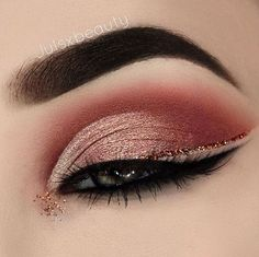 """22.8k Likes, 56 Comments - Morphe Brushes (@morphebrushes) on Instagram: """"Attention to detail is everything  @julsxbeauty blended beautifully with her Morphe brushes.…"""""""
