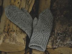 Knit Mittens, Fingerless Gloves, Arm Warmers, Ravelry, Knitwear, Embroidery, Wool, Stitch, Crochet