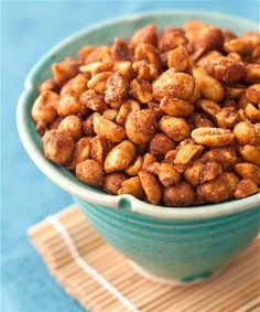 A perfect thing to nosh on during the Big Game - Chipotle Honey Peanuts | Tideandthyme.com #BigGameParty
