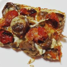 #dinner tonight was a deep dish #straw #mushroom & slow #roasted #cherry #tomatoes #pizza with a #creamcheese base. #delicious #homemade #eatwell #trainhard #cookingpassionate #ketofuel #ketoforlife #LCHF #keto #nutrition #womanwithmuscles #makeeverydaycount #lifestyle #lovinglife #happiness #ChaingMai #thailand by ptlena