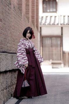 Yoshiro よしろ Hisabisa 久々 pattern hakama on sunday - model: Piyoko ぴよこ - Japan - 2016 Source Twitter @paristrios