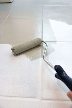 Home Decor Styles How to paint ceramic tile floor – this post gives all the details of how to get the job done! Small roller and paint brush are used to apply the paint!Home Decor Styles How to paint ceramic tile floor…Read Painting Ceramic Tile Floor, Painting Bathroom Tiles, Tile Floor Diy, Painting Tile Floors, Painted Floors, Painted Floor Tiles, Ceramic Tile Floors, Ceramics Tile, Tiled Floors
