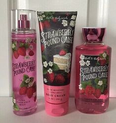 Watermelon Lemonade Foaming Hand Sanitizer - Bath And Body Works Bath Body Works, Bath N Body, Bath And Body Works Perfume, Pound Cake With Strawberries, Victoria Secret Fragrances, Bath And Bodyworks, Fragrance Mist, Body Mist, Face Mist