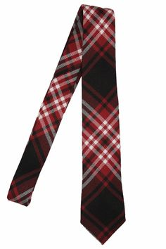 Going beyond the usual limits... Not hesitating to break any rules... Extremely bold but exceptionally classy about it... Sound like you? Then maybe you need the Tweedside tie. This tie is from our Selkirk series, named after the city in which the fabric was carefully woven in Scotland. www.lvj.ca