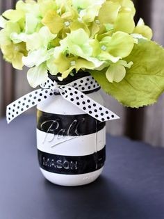 Itsy Bitsy Paper: Black and White Stripe Painted Mason Jars White Bridal Shower, White Baby Showers, White Shower, Mason Jar Crafts, Mason Jar Diy, Kate Spade Party, Jar Art, Black And White Baby, Painted Mason Jars