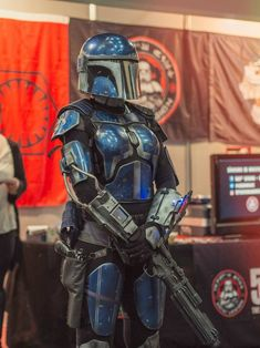 Post with 51 votes and 1576 views. Shared by Japan Weekend Madrid, Bri of Dxun Wraithguard Clan Star Wars Trivia, Star Wars Facts, Mandolorian Armor, Mandalorian Cosplay, Female Armor, Future Soldier, Star Wars Rpg, Best Cosplay, Amazing Cosplay