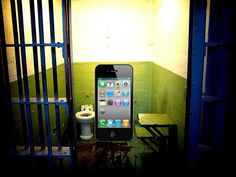 Jailbreak iphone to install third party apps like nomao