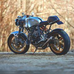 Ducati 900 Cafe Racer