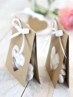 Today I have a craft idea for a very simple packaging for your guests . Today I brought a craft idea for a very simple packaging for your party favors. The packaging is suitable e. Wedding Favours, Party Favors, Wedding Gifts, Wedding Ideas, Simple Packaging, Gift Packaging, Christmas Gift Wrapping, Christmas Gifts, Diy And Crafts