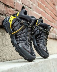 Save by Hermie Trail Shoes, Hiking Shoes, Hiking Sneakers, Best Sneakers, Shoes Sneakers, Tactical Shoes, Nike Boots, Sneaker Boots, Sports Shoes