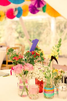 25 of the best bite-size wedding budget tips from real brides! Love this bright wedding theme for summer tables…